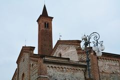 Towre和教会, Bassano del Grappa,意大利,欧洲 图库摄影