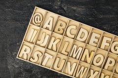Деревянные письма игрушки стоковые фото