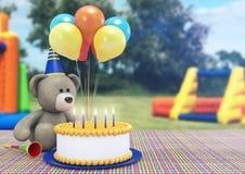 Toy Bear Celebrating il suo compleanno Immagine Stock