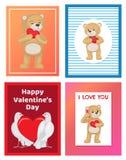 Toy Bears molle sveglio e colombe bianche nell'insieme di amore Immagini Stock Libere da Diritti