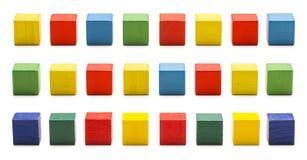 Toy Blocks, mattoni di legno del cubo, scatole cubiche di legno multicolori Fotografie Stock