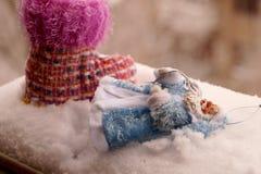 Toy Father Frost en un abrigo de pieles azul Imágenes de archivo libres de regalías