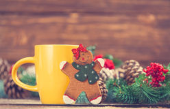 Toy gingerbread and cup Royalty Free Stock Photography