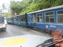 Toy Train dans Darjeeling (Inde) photo libre de droits