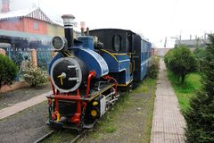 Toy Train i Darjeeling, Indien royaltyfri bild