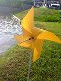 Toy windmillen Arkivfoton