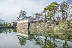 Toyama slott med snö Arkivfoto