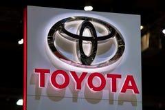 Toyota-autoembleem bij motorshow Royalty-vrije Stock Foto