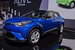 Toyota C-HR metalu silnika błękitny expo zdjęcia stock