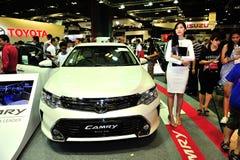 Toyota Camry en la exhibición durante el Singapur Motorshow 2016 Imagenes de archivo