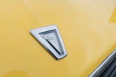 Toyota Celica emblem 1981 på skärm Arkivfoto