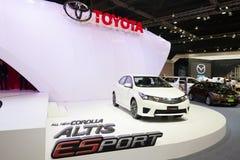 Toyota Corolla Altis ESport på skärm arkivbilder