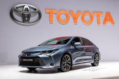 Toyota Corolla hybrid- bil royaltyfria bilder