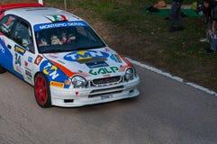 TOYOTA COROLLA WRC 1997 in oude raceauto verzamelt de LEGENDE 2017 royalty-vrije stock afbeelding