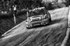 TOYOTA COROLLA WRC 1998 w starym bieżnego samochodu wiecu legenda 2017 zdjęcie stock