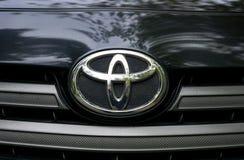 Toyota del segno dell'automobile Fotografia Stock Libera da Diritti