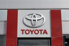 Toyota-embleem in het handel drijven stock afbeeldingen