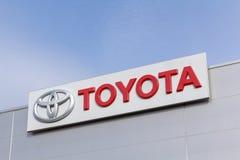 Toyota-embleem in het handel drijven stock foto