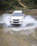 Toyota Fortuner SUV 2017 dans une commande d'essai Photo stock