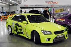 Toyota giallo Altezza nell'Expo 2012 del croco Immagini Stock