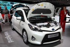 Toyota hybrid- Yaris Arkivbilder