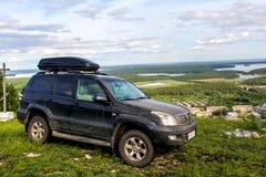 Toyota landkryssare Prado 120 Fotografering för Bildbyråer