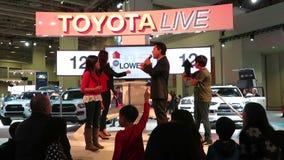 Toyota Live Show-Higher oder senken stock footage
