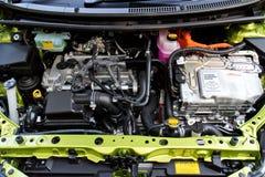 Toyota Prius C 2015 hybrydowy silnik Zdjęcia Stock