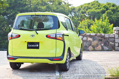 Toyota SIENTA 2015 testa Prowadnikowy dzień Zdjęcie Stock
