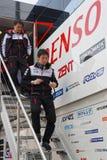Toyota-Teammitglieder auf der Treppe lizenzfreies stockfoto