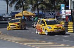 Toyota Yaris uno fa la corsa Immagine Stock