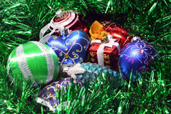 toys för spheres för bakgrundsjul exponeringsglas vita isolerade Royaltyfria Bilder