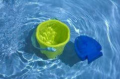 Toys i vatten Arkivfoto