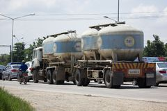 TPIPL运输水泥卡车  免版税库存图片