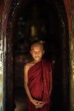 TPortrait Мьянма монаха Мьянмы монаха его жизнь вероисповедания Мьянмы Стоковые Изображения RF