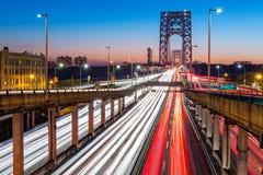 Tráfego das horas de ponta em George Washington Bridge fotos de stock