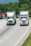 Tráfego de caminhão no vertical da estrada nacional com espaço da cópia Fotos de Stock Royalty Free