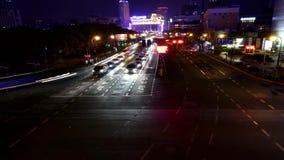 Tráfego de carro na noite, timelapse vídeos de arquivo
