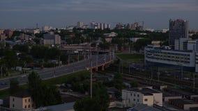 Tráfego de Carros Rodoviários na Cidade de Minsk video estoque