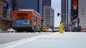 Tráfego de cidade do centro Los Angeles filme