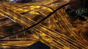 Tráfego de Dubai na noite, Emiratos Árabes Unidos video estoque