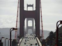 Tráfego de golden gate bridge imagem de stock royalty free