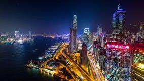 Tráfego de Hong Kong Night perto do cais Timelapse video estoque