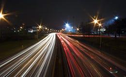 Tráfego de Paris em Noite Fotografia de Stock Royalty Free