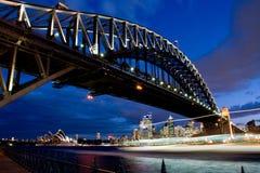 Ponte de porto de Sydney no crepúsculo Fotos de Stock Royalty Free