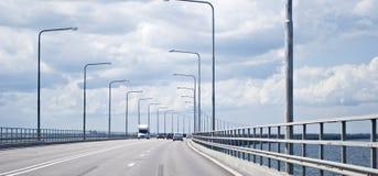 Tráfego em uma ponte Imagens de Stock