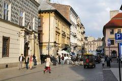 Tráfego na cidade velha em Krakow Imagens de Stock