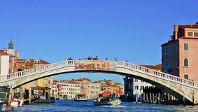 Tráfego na lagoa de Veneza video estoque