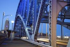 Tráfego na ponte fotografia de stock royalty free