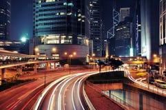 Tráfego ocupado na noite - Hong Kong Fotos de Stock
